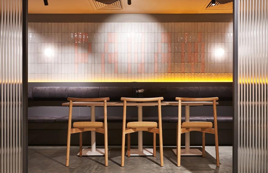 Modgi Group | Panam Pan Restaurant , 经典与明亮细节的结合