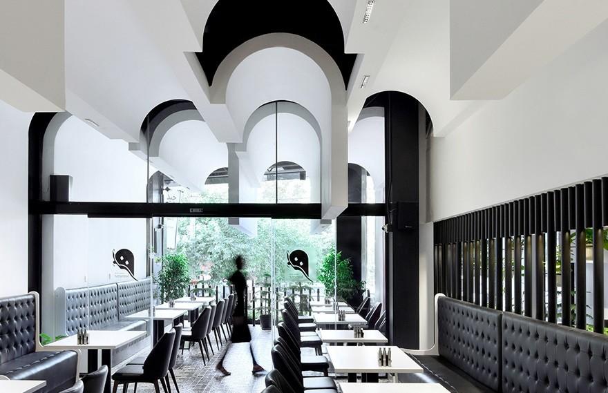 Kanisavaran | Lomenz Restaurant , 极简主义的黑白美学