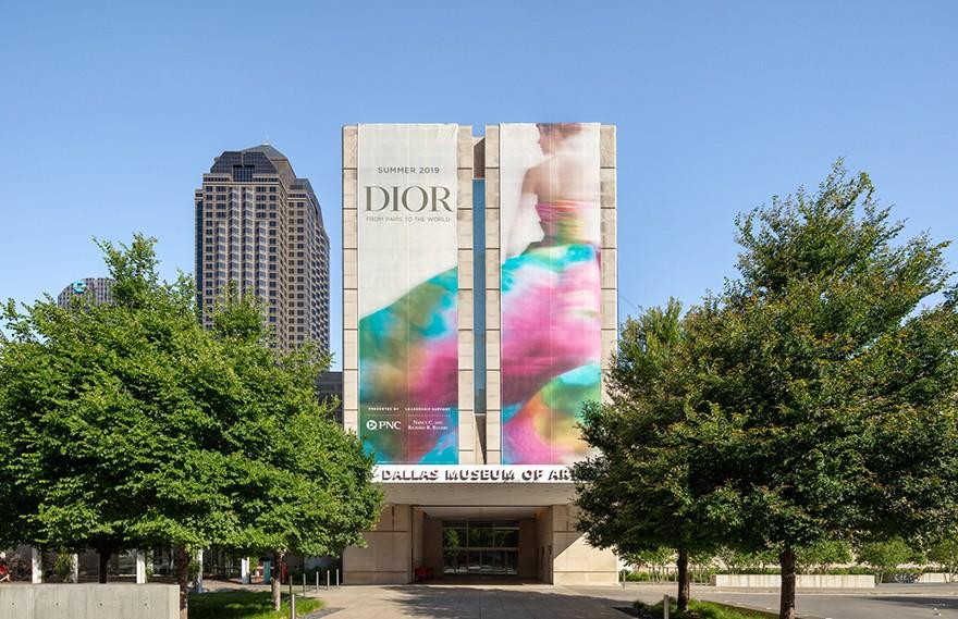 OMA   Dior Exhibit , 独特的建筑设计