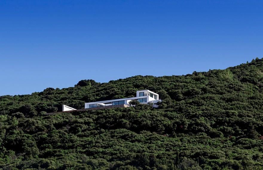 Olivier Dwek | House T , 蓝天下的白色住宅