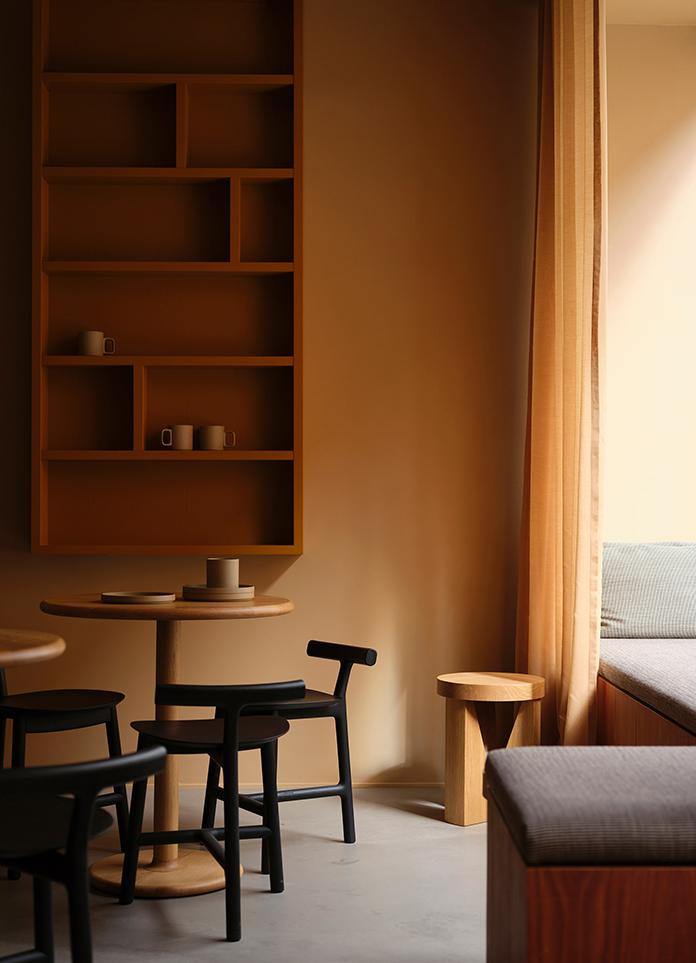 Note Design Studio   Warm-hued Wine Bar