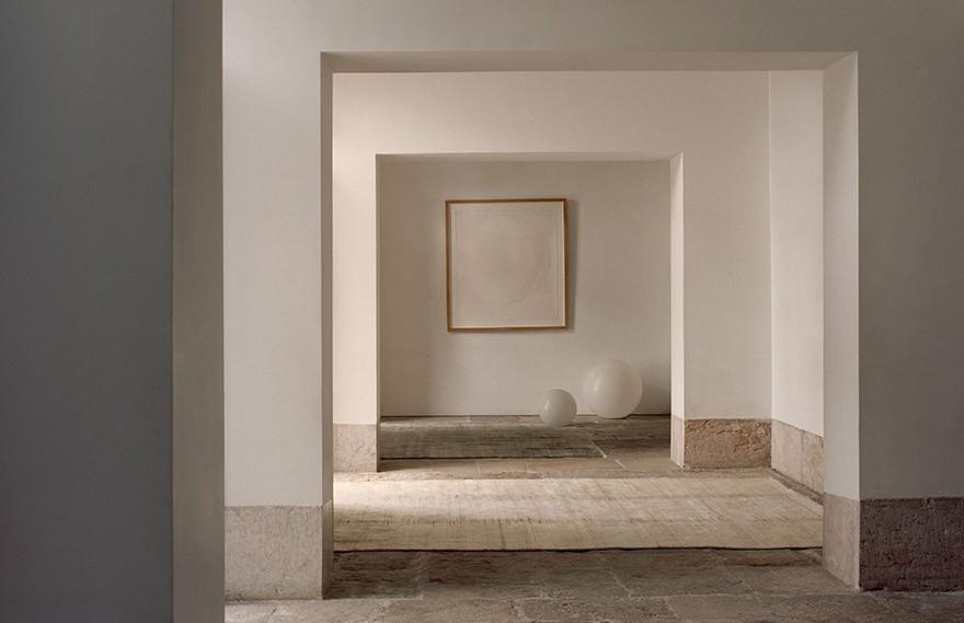 House Of Grey | Armadillo&Co Showroom , 朴实低调的极简展厅