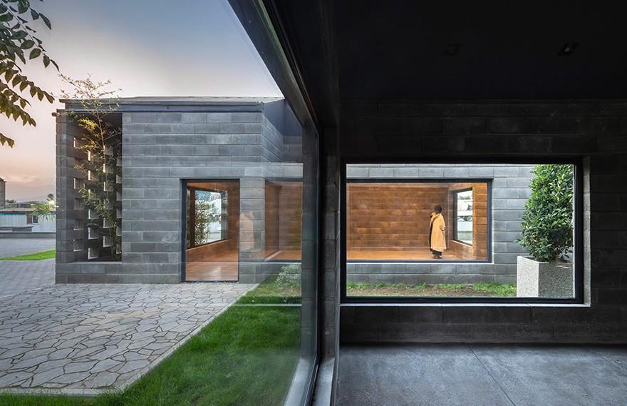 Hooba Design   Aptus Factory Showroom