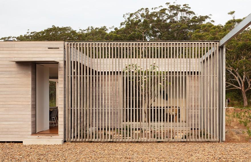 Chrofi | Courtyard House
